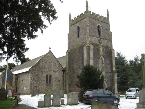 Llansilin_church.jpg