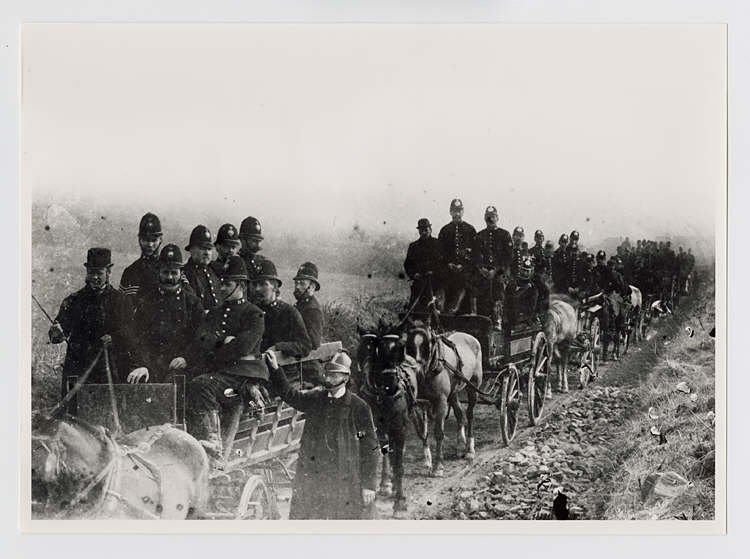 Tithe War Carmarthen, police being brought in.jpg